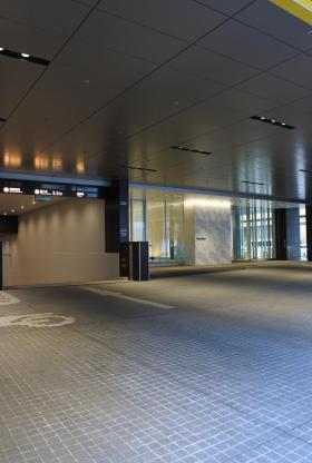 太陽生命日本橋ビル(日本橋二丁目再開発A街区)のエントランス