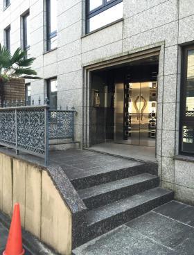 エタニティマンション和田第3ビルのエントランス