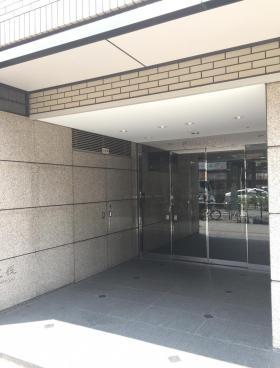 秋葉原村井ビルのエントランス