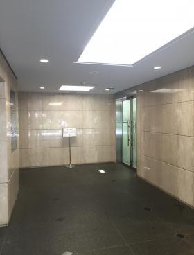 秋葉原村井ビルの内装