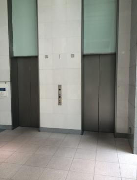 品川サンケイビルのエントランス