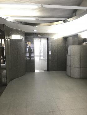 塔文社ビルの内装
