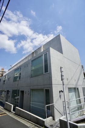 DUO表参道ビルの外観写真