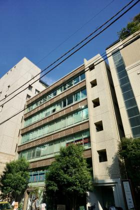 マストライフ南青山ビルの外観写真