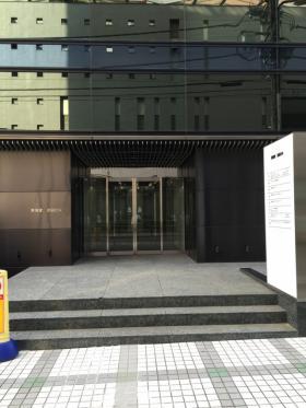 CROSS COOP渋谷(ヒューリック渋谷1丁目)ビルのエントランス