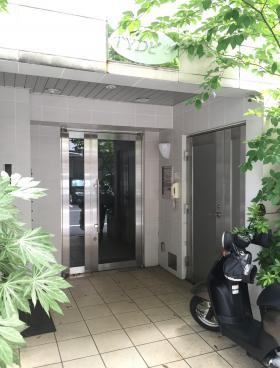 TYD東日本橋ビルのエントランス