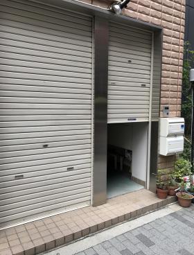 内神田ファースト112ビルのエントランス