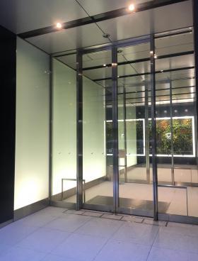 S-GATE秋葉原ビルのエントランス
