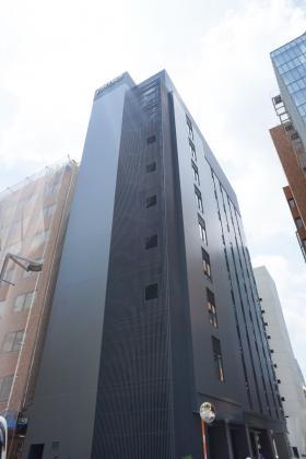 PMO東新橋ビルのエントランス
