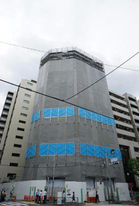 PMO新宿御苑前ビルのエントランス