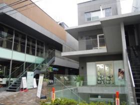 Path表参道ビルの外観写真