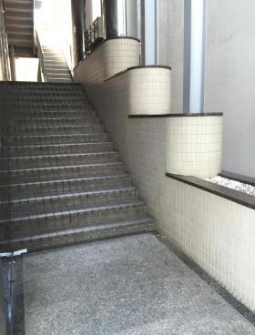 新宿辻ビルの内装