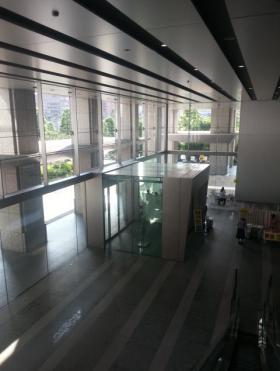 レンタルオフィス品川グランドセントラルタワーのエントランス
