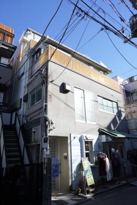 茶静山園ビルの外観写真