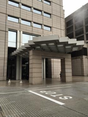 リビングデザインセンターOZONE(新宿パークタワー内)のエントランス