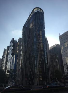 新宿イーストクロスタワーの外観写真