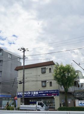 秋庭ビルの外観写真