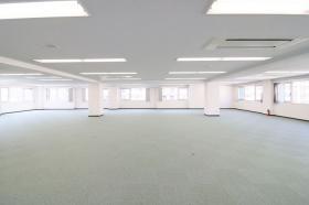 ヒキタカ木場ビルのエントランス