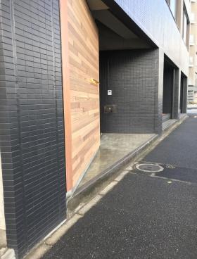 ザ・パークレックス日本橋浜町ビルのエントランス