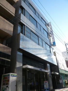 第百生命都立大駅前ビルの外観写真
