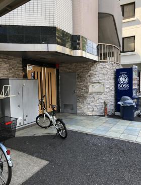 プレール・ドゥーク笹塚のエントランス