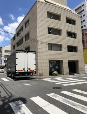 レオナール日本橋富沢町ビルのエントランス