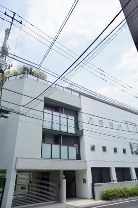 コートイン信濃町ビルの外観写真