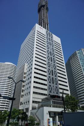 横浜メディアタワービルの外観写真