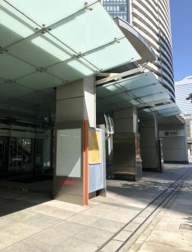 横浜メディアタワービルの内装
