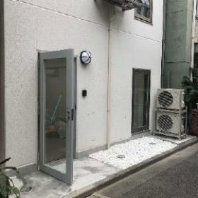 APEX秋葉原ビルのエントランス