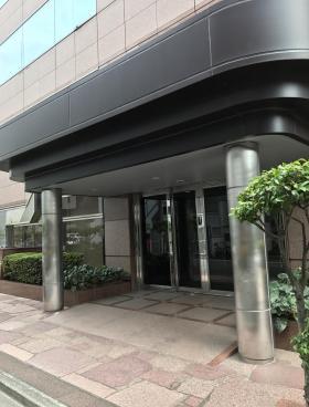 TOKYO YBビルのエントランス