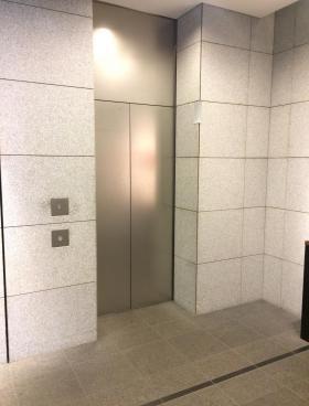 京橋スクエアビルの内装