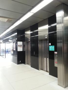 新虎ノ門実業会館の内装