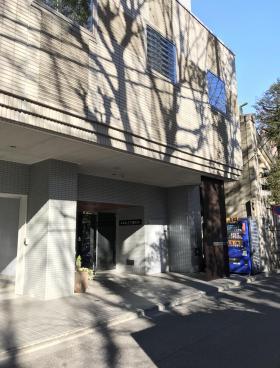 ACN八丁堀ビルのエントランス