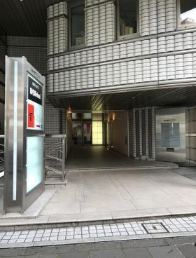 Daiwa麹町4丁目(サンライン第7)ビルのエントランス
