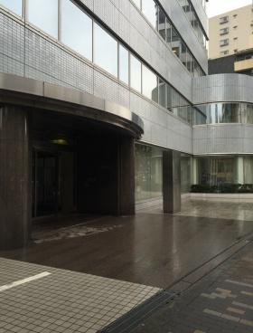 フジキカイ広尾ビルのエントランス
