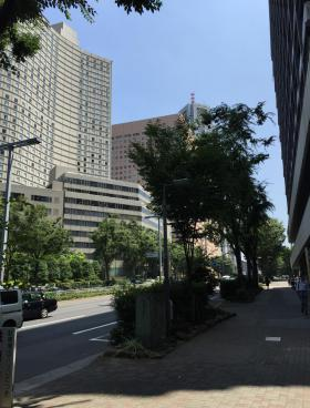 小田急コアロード西新宿のエントランス