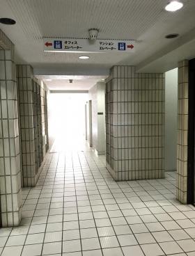 シティプラザ新宿の内装